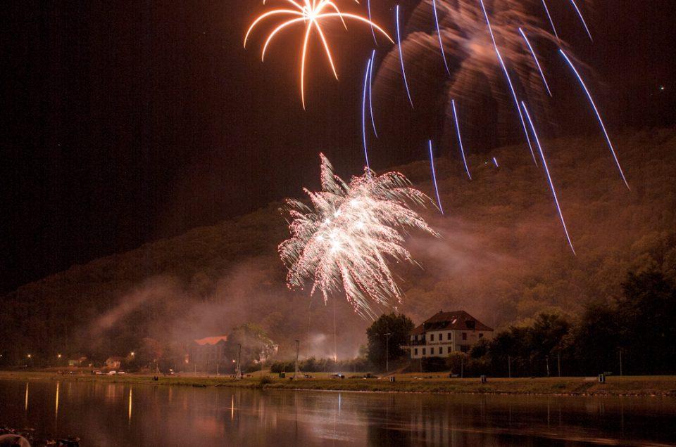 Bodenwerder Weser in Flammen Lichterfest Feuerwerk