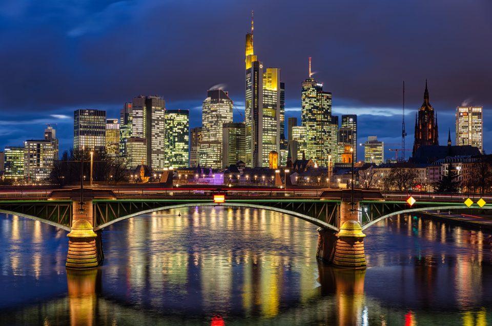 Frankfurt Westend Blaue Stunde Dezember